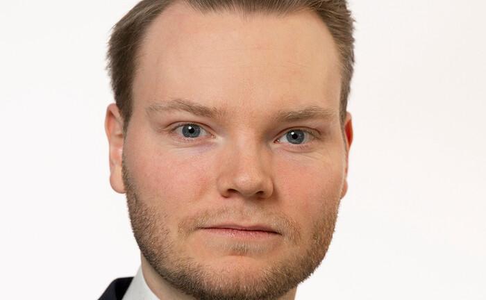 Erik Fuckerider startet seine Laufbahn bei JP Morgan Asset Management