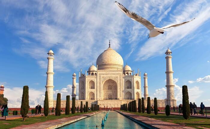 Das Taj Mahal am Stadtrand von Agra