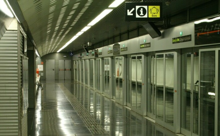 Haltestelle an der vollautomatisierten Metro-Linie 9 in Barcelona