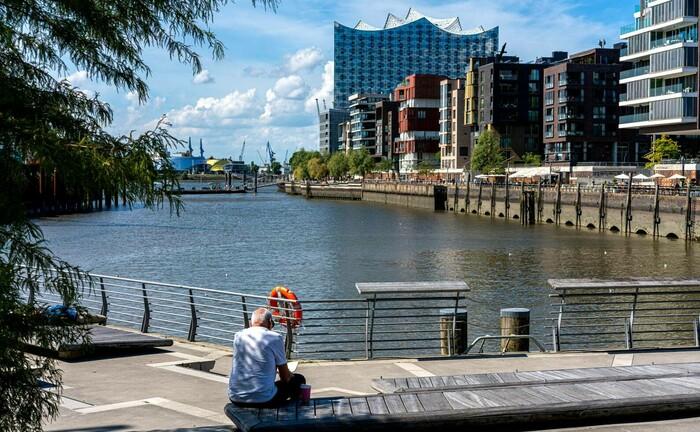 Verweilen und arbeiten in der Hamburger Hafen-City