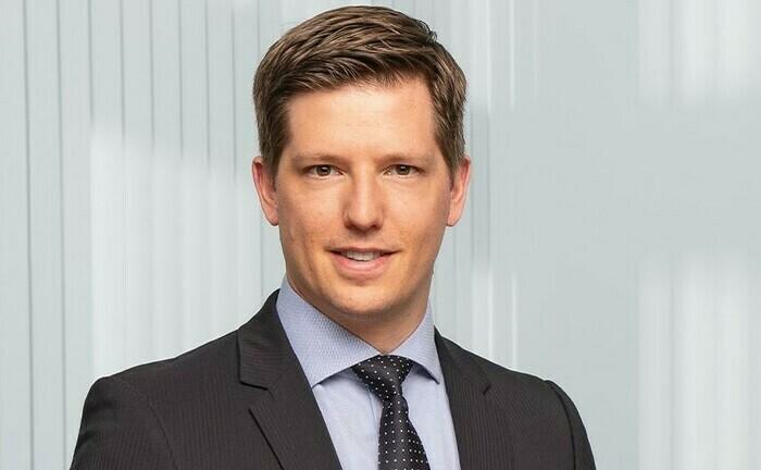 Jan Rabe leitet das Nachhaltigkeitsbüro von Metzler Asset Management: Der ESG-Experte beschäftigt sich näher mit den Folgen der Rotation von Kapital in nachhaltige Strategien.