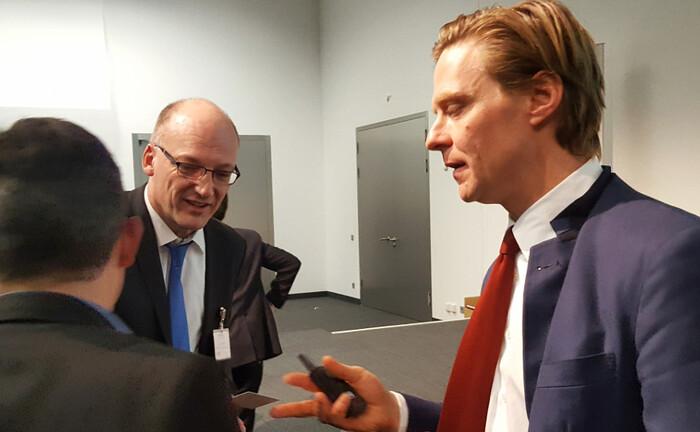 Carlos von Hardenberg (re.), hier im Gespräch während einer Veranstaltung
