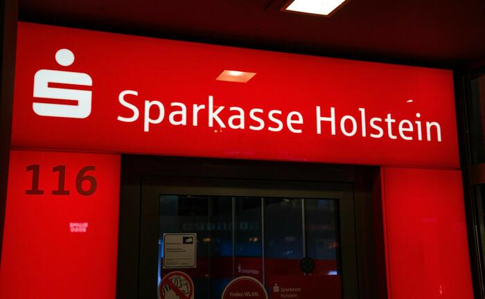 Schriftzug der Sparkasse Holstein