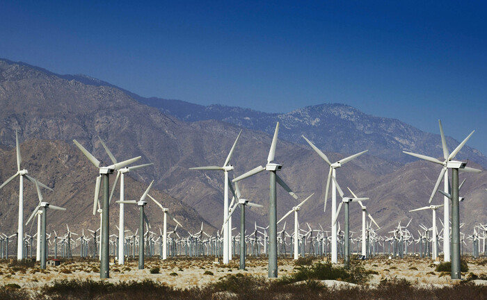Ein Windpark in der Nähe von Los Angeles