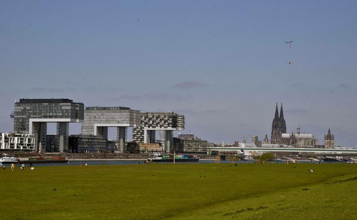 Das Rheinufer in Köln