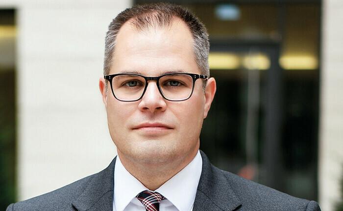 """Swen Bäuml isr Gründer der Gesellschaft """"Infob – Prof. Dr. Swen Bäuml"""". Zudem leitet er den Studienlehrgang """"Zertifizierter Family Officer (FvF)""""."""