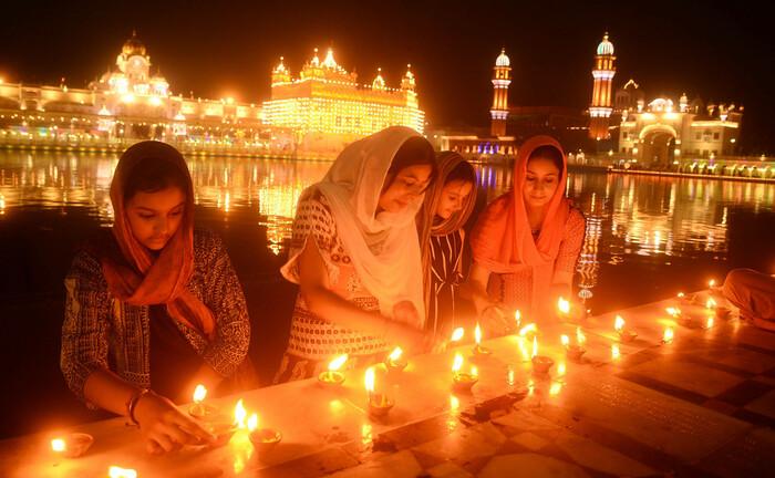 Goldener Tempel im indischen Amritsar