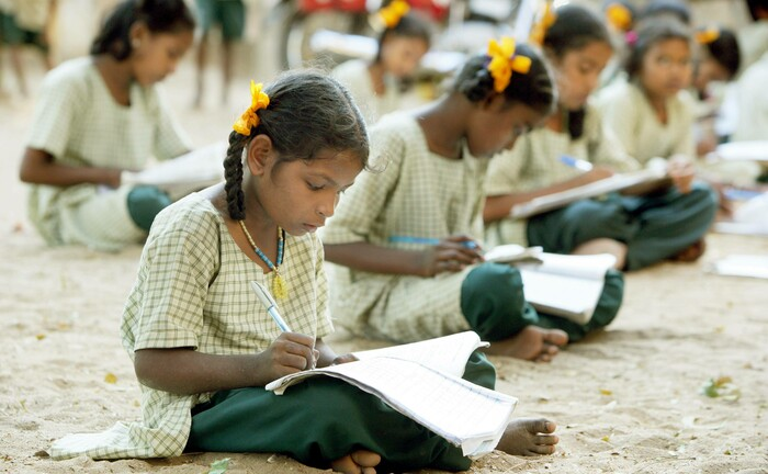Schülerinnen in Indien