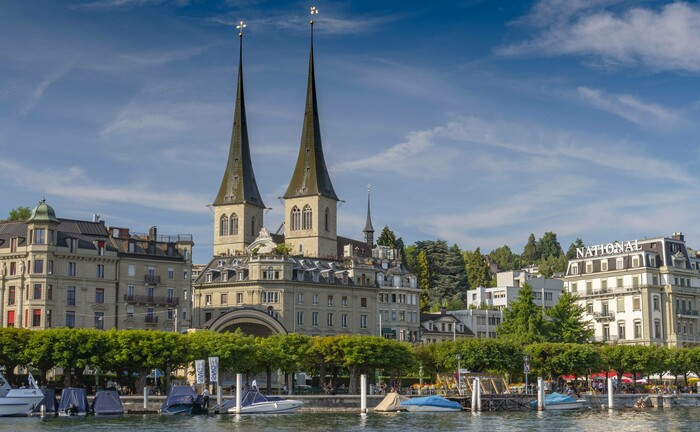 Die St. Leodegar Kirche im schweizerischen Luzern