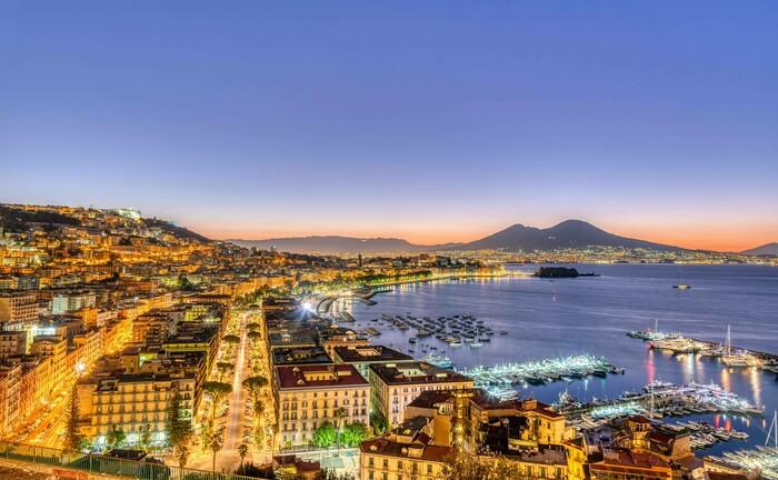 Das Hafenviertel von Neapel