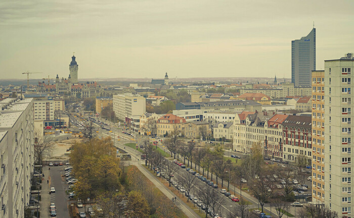 Erhöhter Blick auf Leipzig: Das Immobilien-Multi-Family-Office Pamera Real Estate Partners kauft in der sächsischen Stadt 21 Mehrfamilienhäuser.|© Imago Images / Westend61