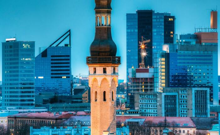 Rathausturm der estnischen Hauptstadt Tallinn: Weite Teile der Verwaltung des baltischen Staates basieren auf der Blockchain.|© imago images / agefotostock
