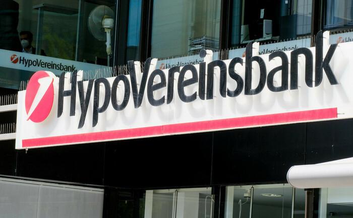 Logo der Hypovereinsbank: Die HVB sucht am Standort Bremen Verstärkung im Private Banking.|© Imago Images / Michael Gstettenbauer