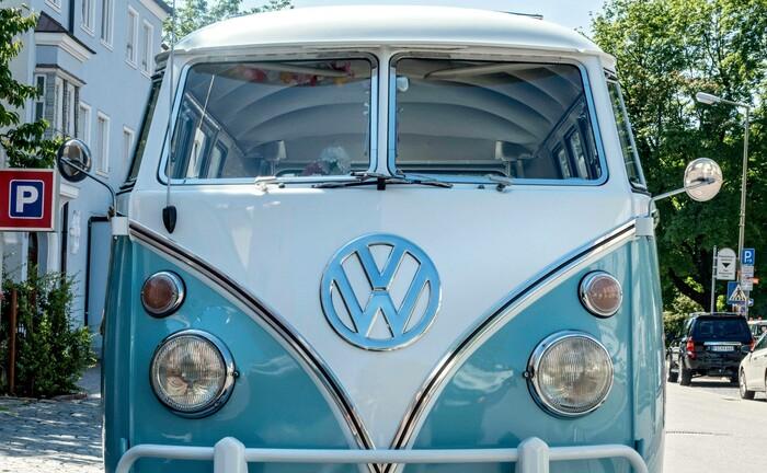 Ein alter VW-Bus, Baujahr 1950: Volkswagen gehört zu den größten Familienunternehmen Deutschlands|© Imago Images / Imagebroker