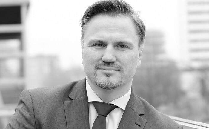Dennis Frohreich von Frohreich-Investments: Der Wertpapier-Experte aus dem Private Banking machte sich 2017 selbstständig|© Frohreich-Investments