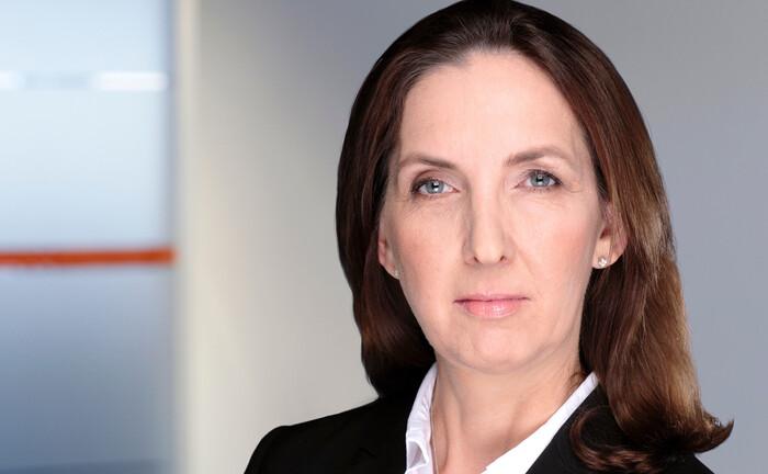 Ilona Wachter verfügt über mehr als drei Jahrzehnte Erfahrung in der institutionellen Branche