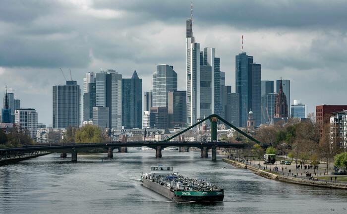 Die Skyline der deutschen Finanzmetropole Frankfurt am Main: Hier hat der Bundesverband Investment und Asset Management (BVI) seinen Sitz|© Imago Images / Shotshop