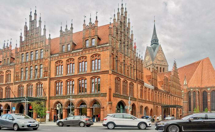 Rathaus und Altstadt von Hannover: Der Versichere sucht für seinen Hauptsitz in der Hauptstadt Niedersachsens.|© Imago Images / Rust